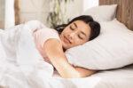 pentingnya-tidur-yang-berkualitas-untuk-kesehatan-kulit-halodoc