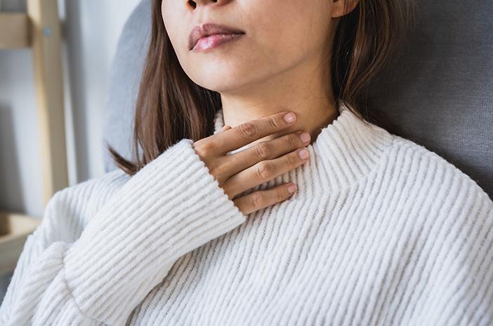 Alasan Sering Sakit Tenggorokan Setelah Menangis