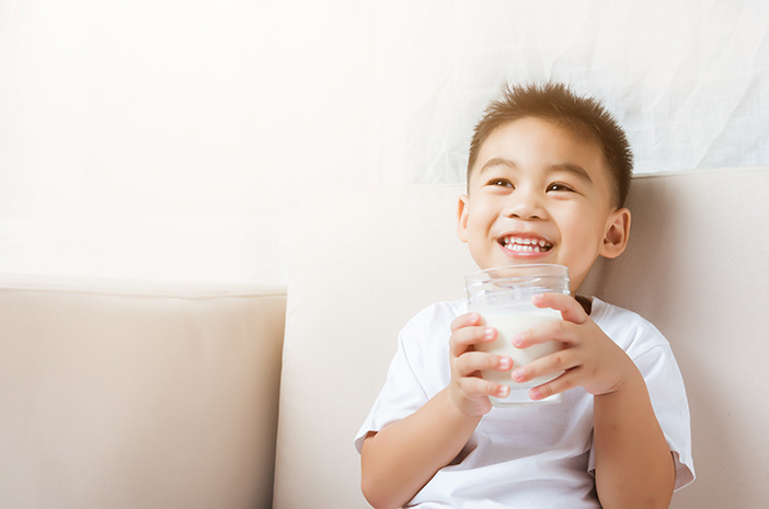 Hal yang Bisa Menyebabkan Alergi Susu pada Anak