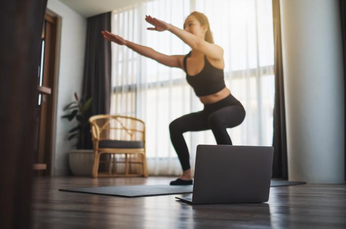 7 Manfaat Olahraga Squat Jump untuk Tubuh Wanita