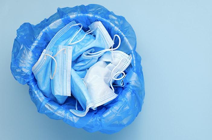 Cara Buang Sampah yang Benar saat Menjalani Isolasi Mandiri