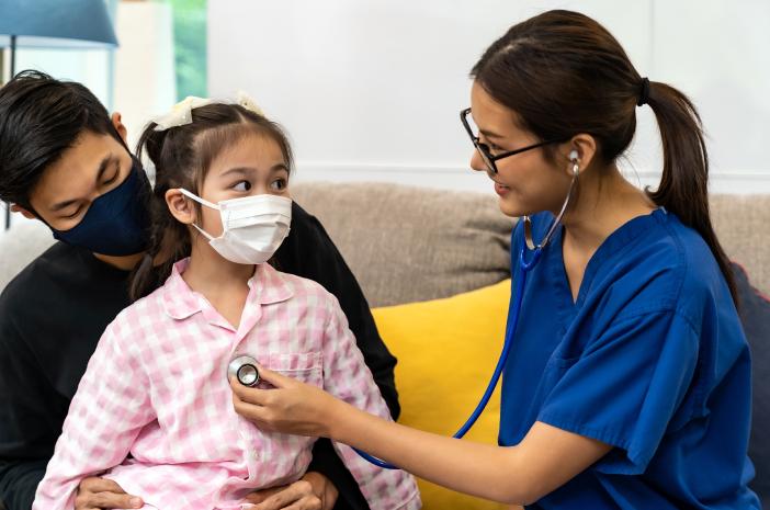 7 Masalah Kesehatan Anak yang Ditangani Dokter Pediatri