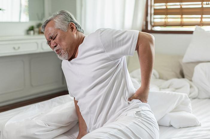 Cara Mencegah Sakit Pinggang pada Lansia