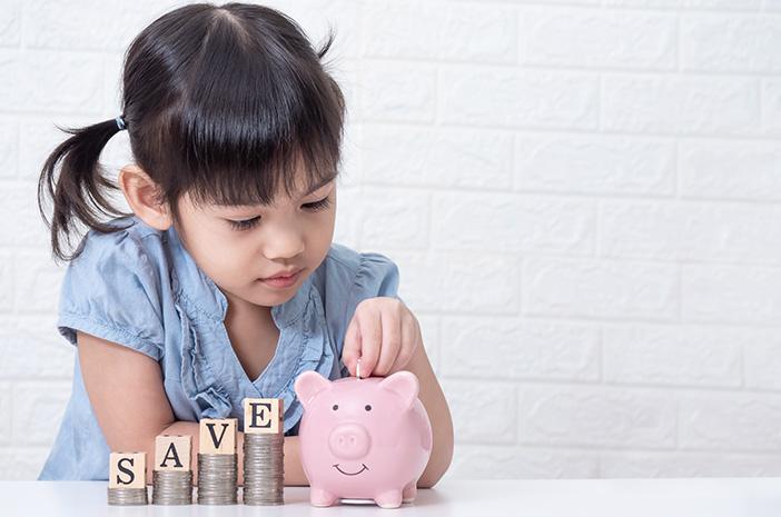 Usia yang Tepat Mengajarkan tentang Uang pada Anak
