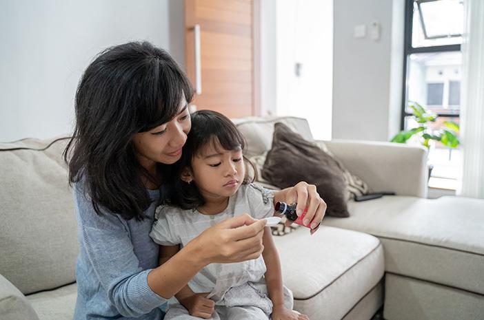 5 Obat Batuk Anak dari Bahan Alami yang Aman Dikonsumsi