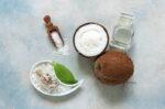 benarkah-air-kelapa-dan-garam-bisa-sembuhkan-covid-19-halodoc