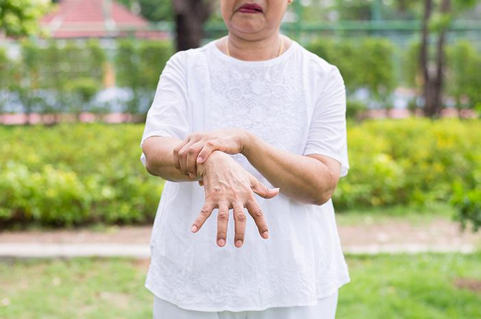 Kenali Gejala Awal Parkinson yang Perlu Diwaspadai