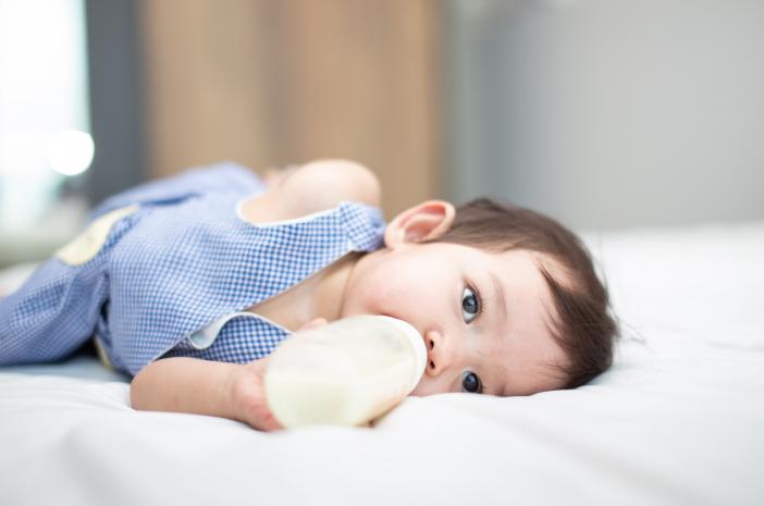 Sebelum Memberikan Oralit untuk Bayi, Perhatikan Hal Ini