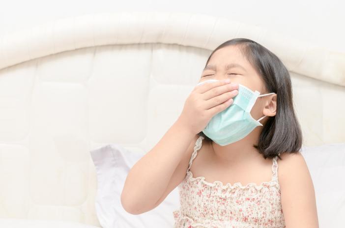 Amankah Memberikan Obat Batuk pada Anak Tanpa Resep Dokter?