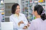 Mengapa Membeli Obat Antibiotik Harus dengan Resep Dokter?