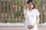 langkah-meredakan-sakit-kepala-pada-ibu-hamil