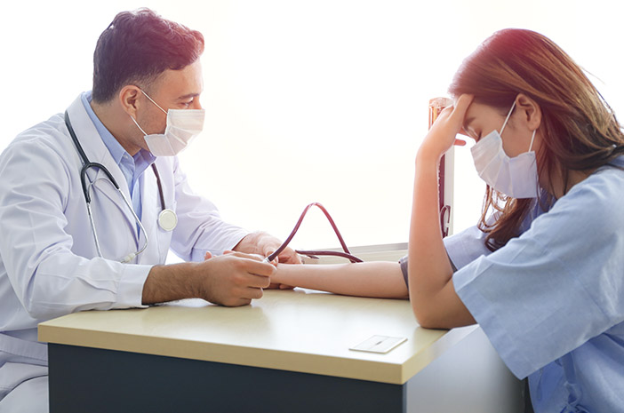 Pentingnya Pemeriksaan Kesehatan Usai Alami COVID-19
