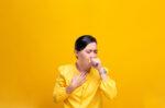 ketahui minuman sehat yang efektif meredakan batuk halodoc