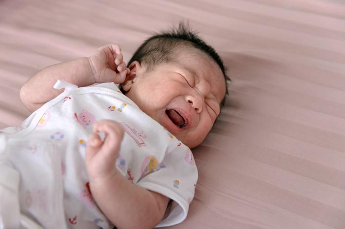 Ibu, Begini Cara Mengatasi Kolik pada Bayi