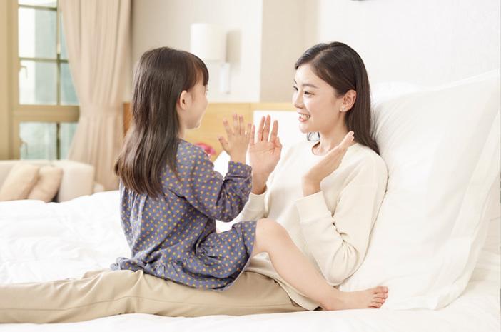 Ini Tips Menjaga Kedekatan Emosional Ibu dan Anak