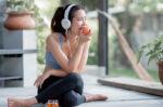 Pentingnya Konsumsi Makanan Sehat agar Kulit Glowing