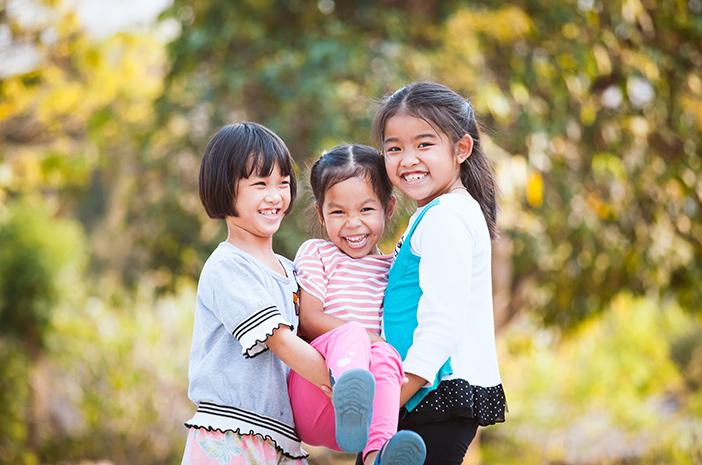 5 Tanda Anak Memiliki Kepribadian Ambivert