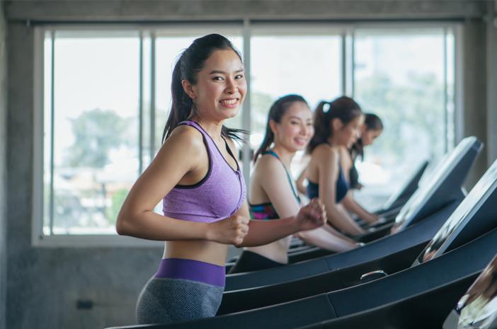 6 Etiket yang Perlu Diperhatikan saat Workout di Gym