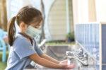 Alasan Sebaiknya Hindari Cuci Tangan dengan Air Kobokan