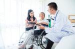 Ketahui Berbagai Peranan Penting Dokter Keluarga