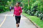 3 Cara Mencegah Osteoporosis Terjadi di Usia Muda