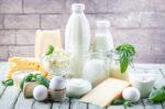 Coba Konsumsi 5 Makanan untuk Mencegah Osteoporosis